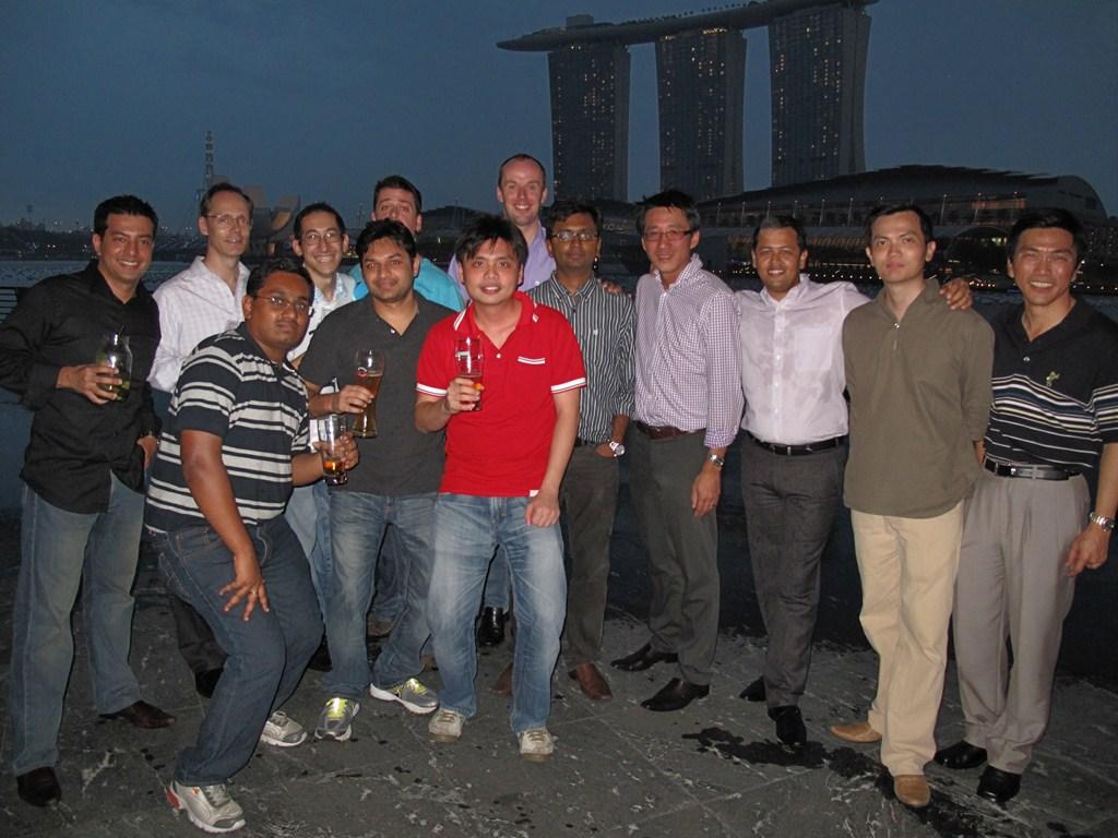 The gentlemen group photo...